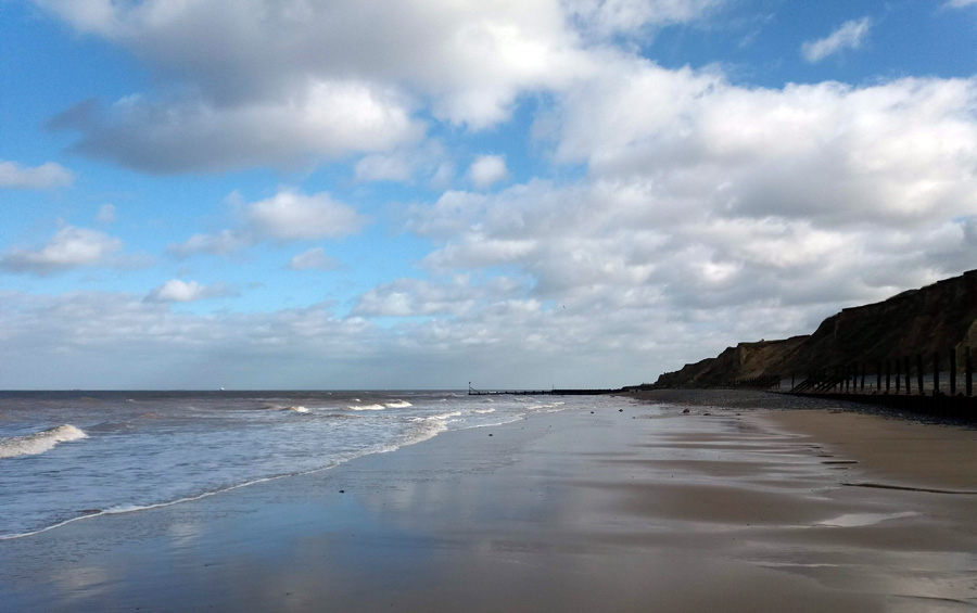 empty-beach-towards-cromer